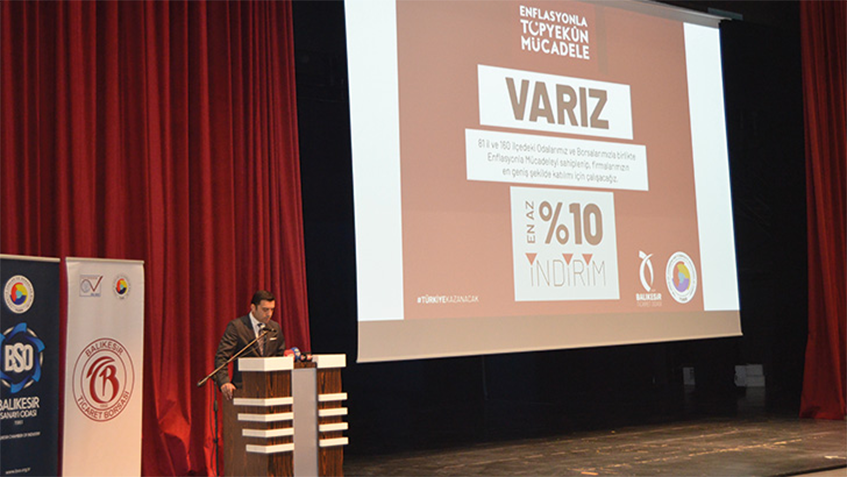 "The conference on ""economic developments in the world and Turkey"" received intense attention"